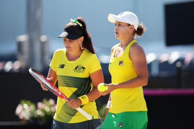 Casey Dellacqua: I know Barty loves being a part of the team
