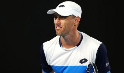 John Millman attacked by bird poo during his match with Roger Federer