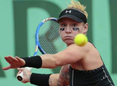 WTA Miami - Bethanie Mattek-Sands leads seven Americans into second round of qualifying