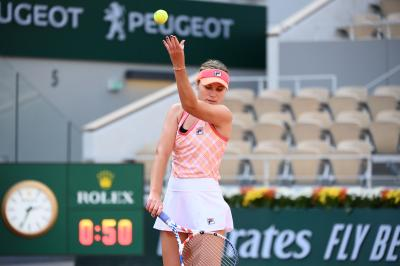 2020 Roland Garros: Sofia Kenin books her spot in the second week; Ons Jabeur wins