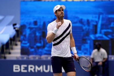 Andy Murray suggests players should be required to take vaccine