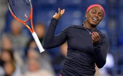 WTA - Melanie Oudin offers struggling Sloane Stephens advise