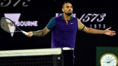Nick Kyrgios keeps pressure on Humbert to get win and enter third round at Melbourne