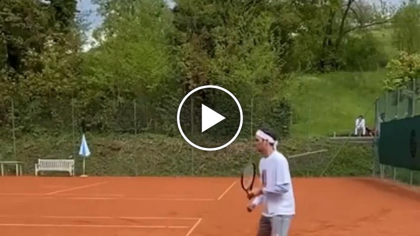 Roger Federer came back to train on clay-court for Geneva