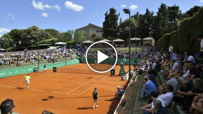 Madness at the Perugia Challenger: Olivo loses and destroys a stained glass window