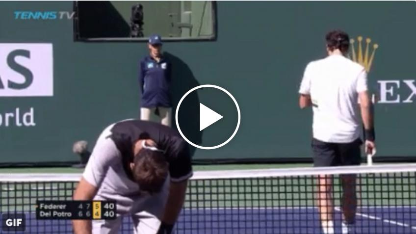 Roger Federer HITS Del Potro with fast backhand!