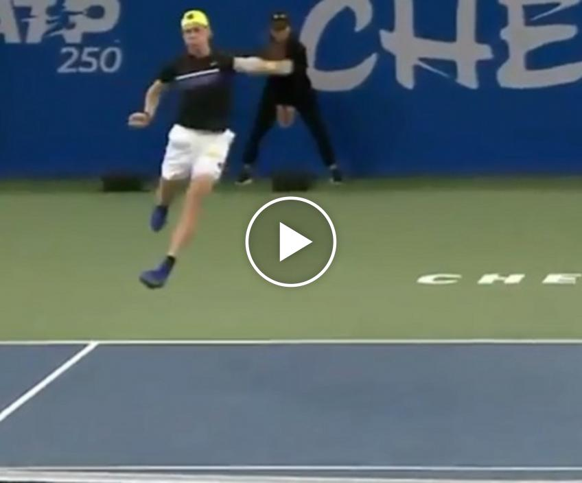 Shapovalov flies to hit amazing backhand