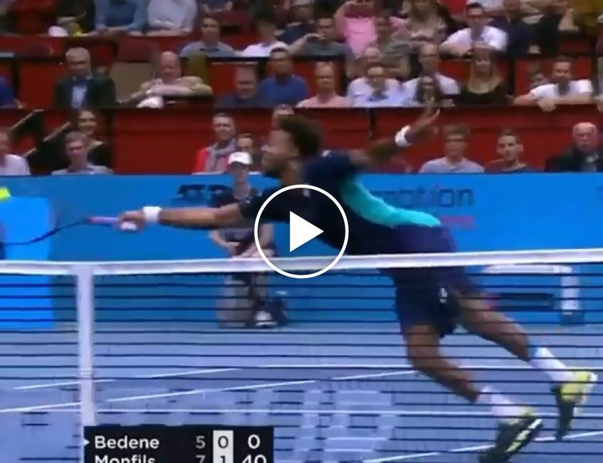 Monfils hits magical volley in Vienna