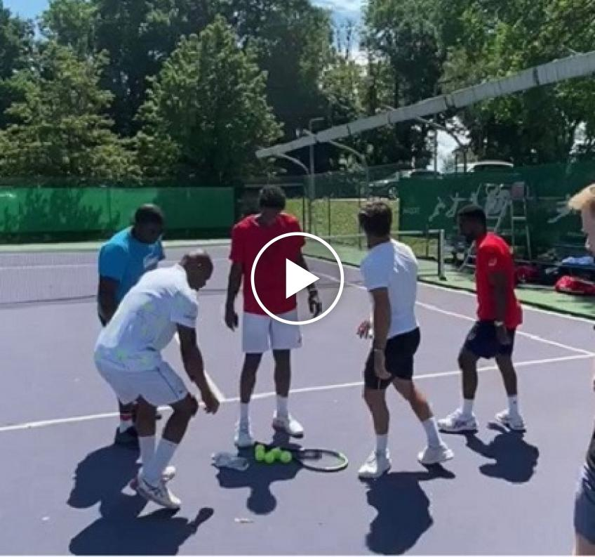 Gael Monfils and his friends' new game on the tennis court