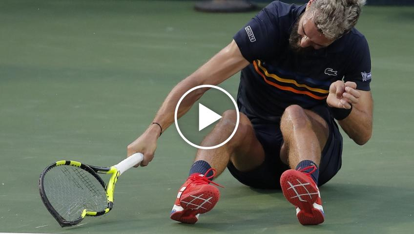 Crazy moment of tennis racket smashed!