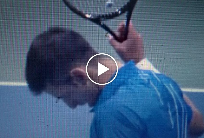 Novak Djokovic wins an Incredible Rally during his first round win over Dzumhur