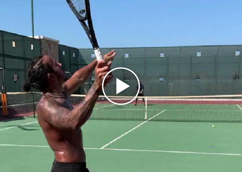 Lewis Hamilton plays tennis! But maybe...