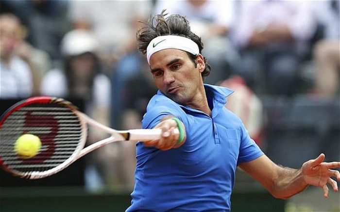 Roger Federer reaches last 16 in Rome Masters
