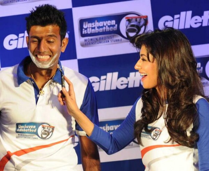 Tennis - Rohan Bopanna gets a close shave at the hands of Bollywood actress