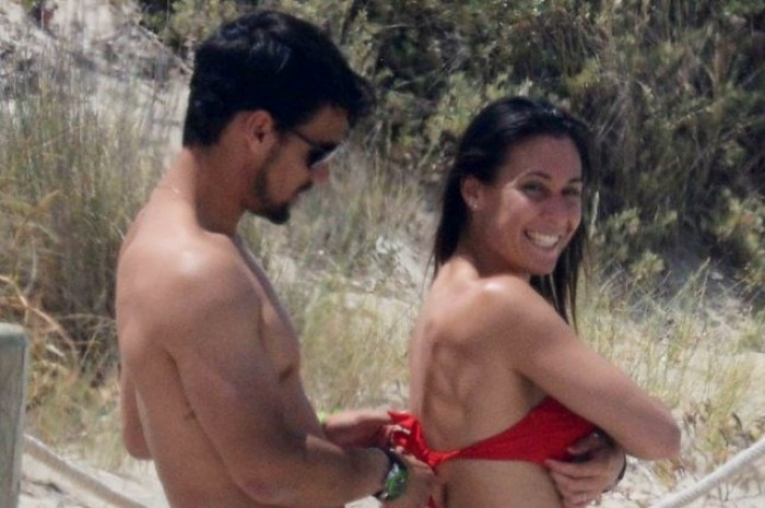 Fabio Fognini and Flavia Pennetta Enjoyed Their Time at the Beach (PICS INSIDE)!