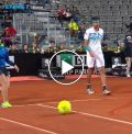 Haase-Shapovalov match gets unusual interruption