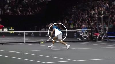 Genious Federer hits great volley, even Nadal is impressed
