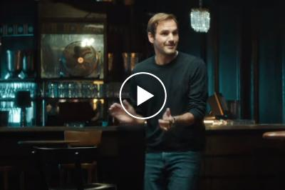"""Roger Federer sings and dances on Beatles' song """"With a Little Help From My Friends"""""""